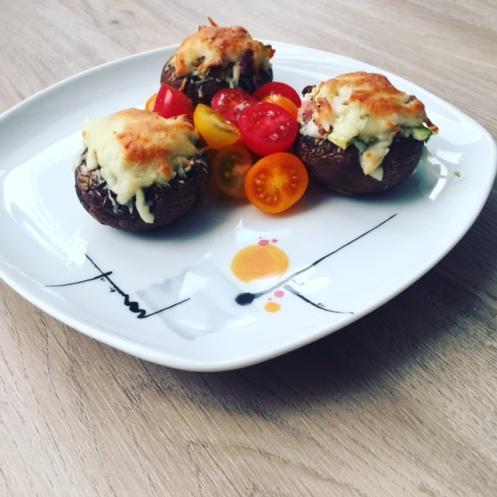 Gefüllte Champignons Tomaten